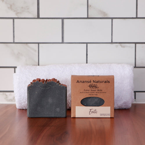 Topped with shimmery gold mica and richly scented with a custom blend of orange, sandalwood, and myrrh phthalate-free fragrance oils, this exotic soap has been crafted with coconut and olive oils, and cocoa and shea butters to keep your skin soft and glowing all day long.