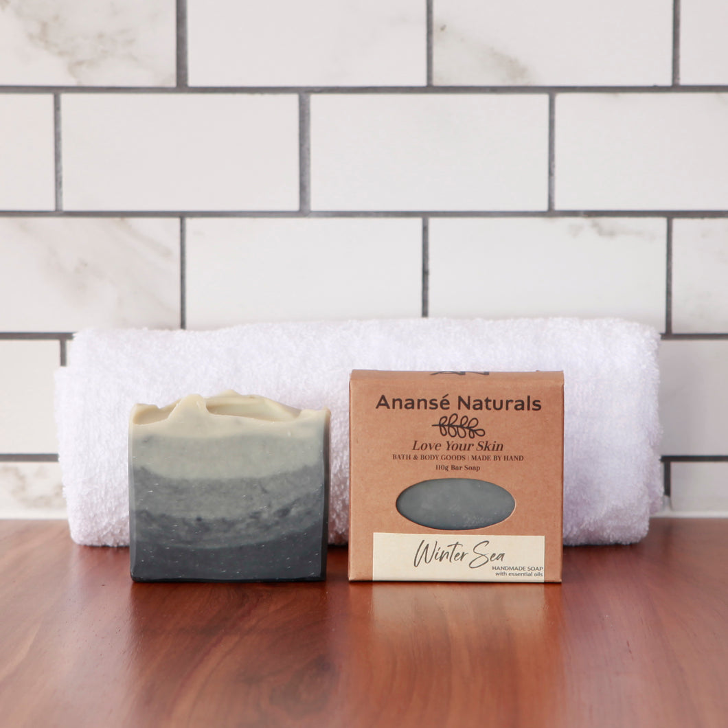Reminiscent of winter walks on the seashore, with the brightness of the day, the sunshine and cold, the sparkle on the waves, and the movement of a winter sea, this soap somehow invokes warmth even when the south wind bites. Its fresh, citrus scent is both calming and bright.