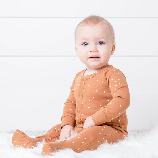 Organic Cotton Square Dot Footed Sleeper with Knot Hat