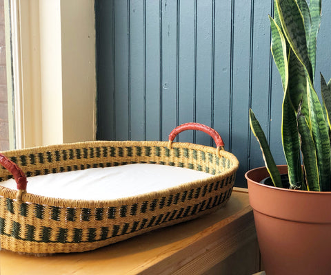 Ghana Changing Basket with Waterproof Pad & Fitted Sheet