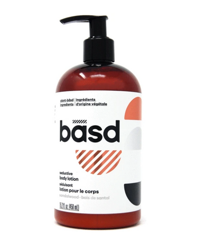 This plant-basd lotion, made with organic aloe vera juice and organic coconut oil, is all kinds of luxurious. It's perfect for everyday moisturizing, so your skin will always feel nourished. Plus we know basd babes will love this warm and woody sandalwood-bergamot fragrance, with alluring floral and citrus notes and a sophisticated hint of spiciness. The scent is soothing and calming—perfect for both the start and end of a busy day.
