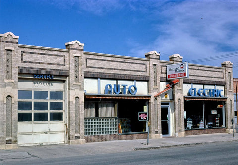 Historic Photo : 1980 United Delco Service, N. Gould Street, Sheridan, Wyoming | Margolies | Roadside America Collection | Vintage Wall Art :