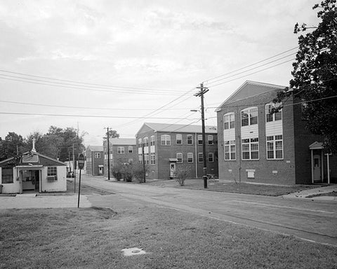 Historic Photo : Fort McPherson, World War II Station Hospital, Structures, Bordered by Hardee & Thorne Avenues & Howe Street, Atlanta, Fulton County, GA 2 Photograph