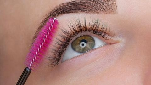 Essential Habits for Gorgeous and Natural-Looking Eyelashes - Brushing Lashes