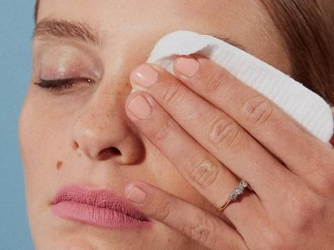 Essential Habits for Gorgeous and Natural-Looking Eyelashes - Removing Makeup