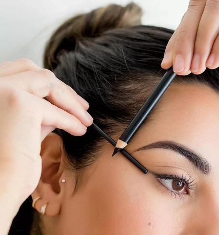 Tips on How to Manage Your Eyebrows.