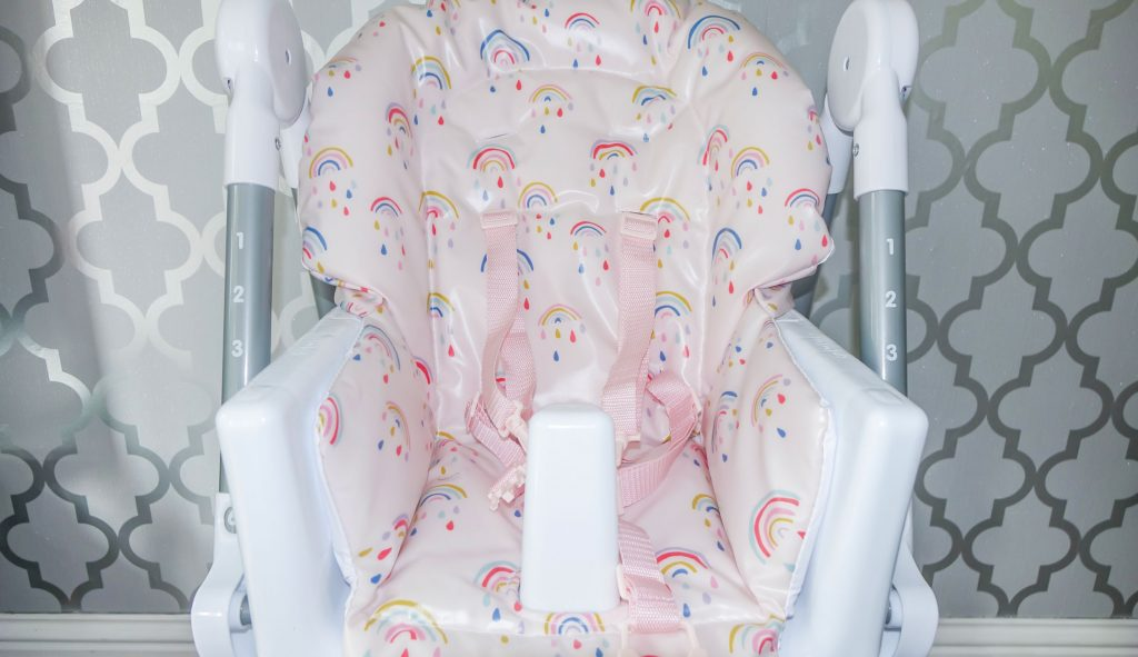 Close up of Snax highchair tray with removable insert.