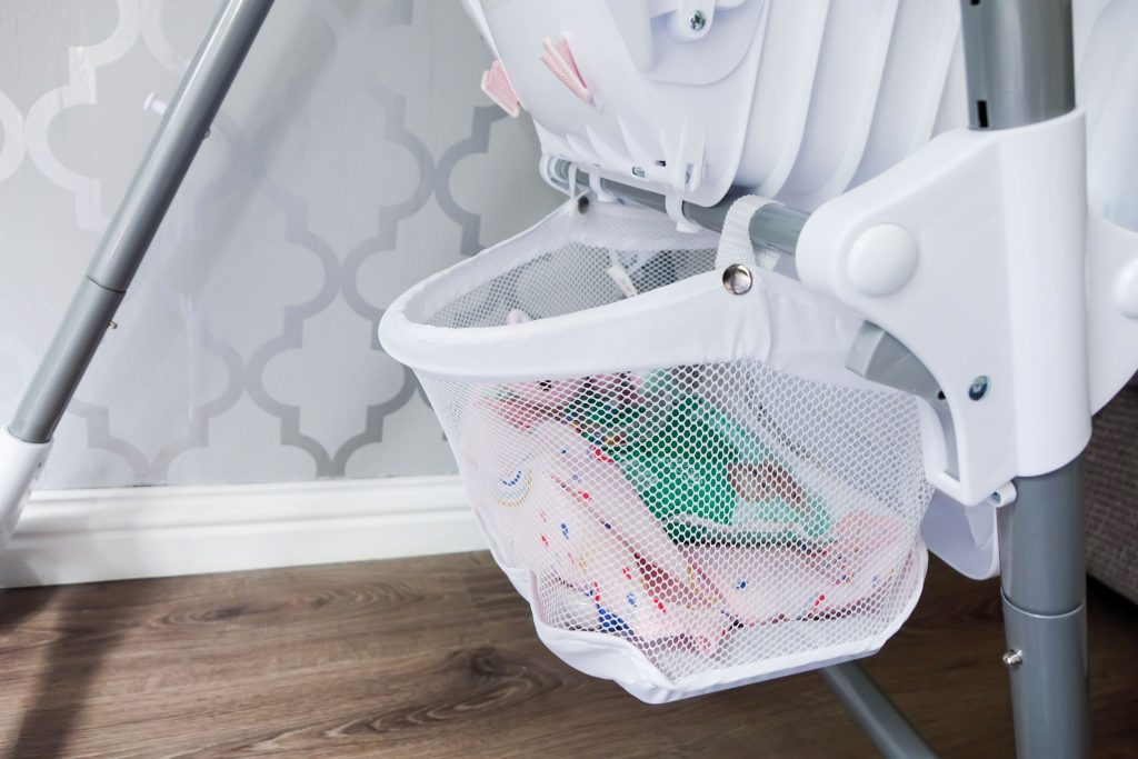Close up of the Snax highchair storage basket.