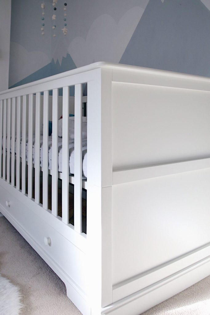 Close up of the cot bed's design.
