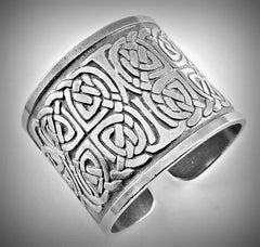 Celtic Knot Pewter Napkin Ring Set