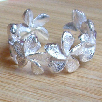Frangipani Adjustable Ring