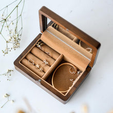 Load image into Gallery viewer, Personalized Wooden Jewelry Box