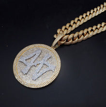 Load image into Gallery viewer, Iced Out 44