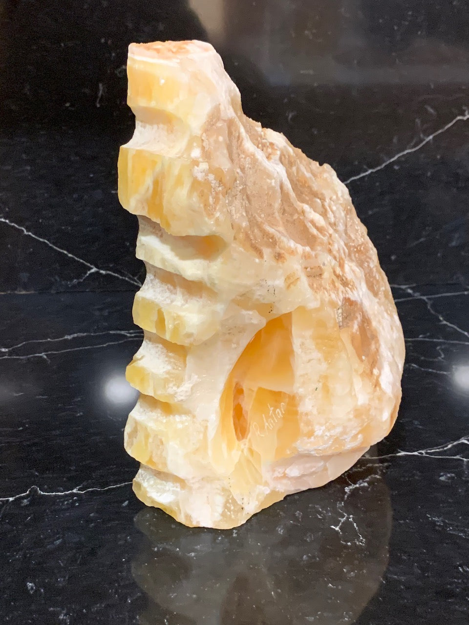 UNUSUAL SLAB OF HONEYCOMB CALCITE 2