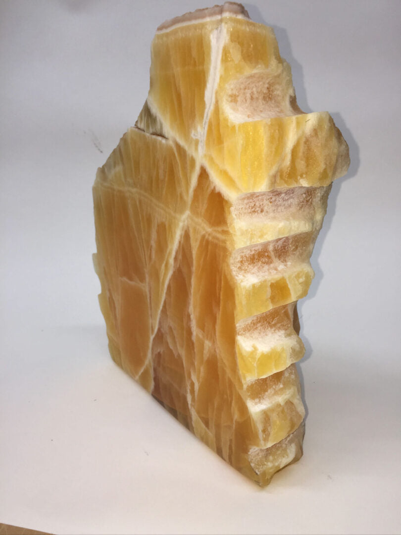 UNUSUAL SLAB OF HONEYCOMB CALCITE 1