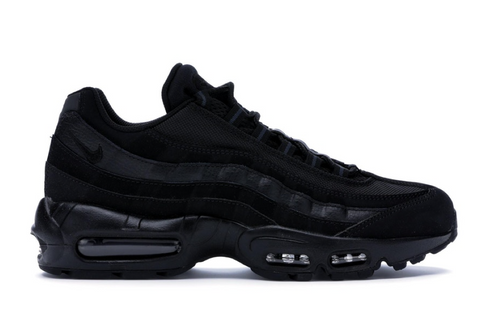 AM 95 TRIPLE BLACK
