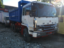 Load image into Gallery viewer, FUSO 10 Wheeler Dumptruck - DT307