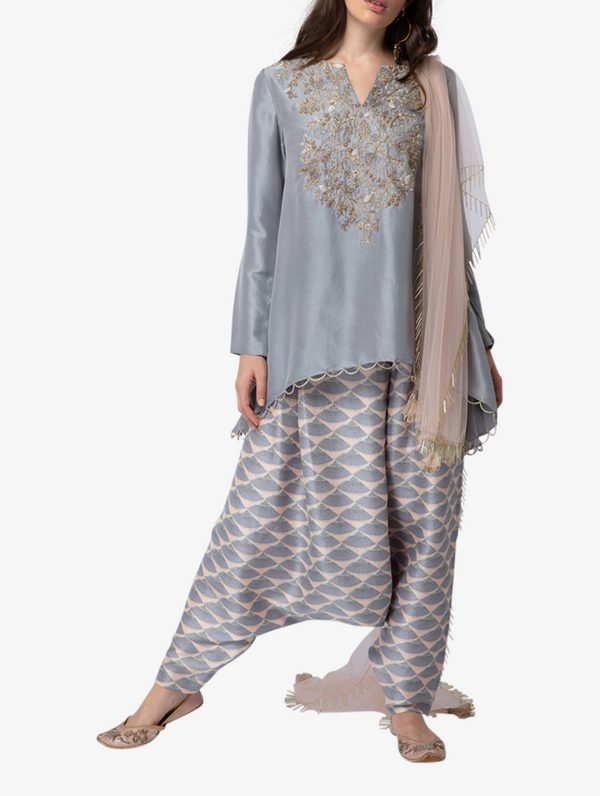 Embroidered kurta with scallop lace and net dupatta
