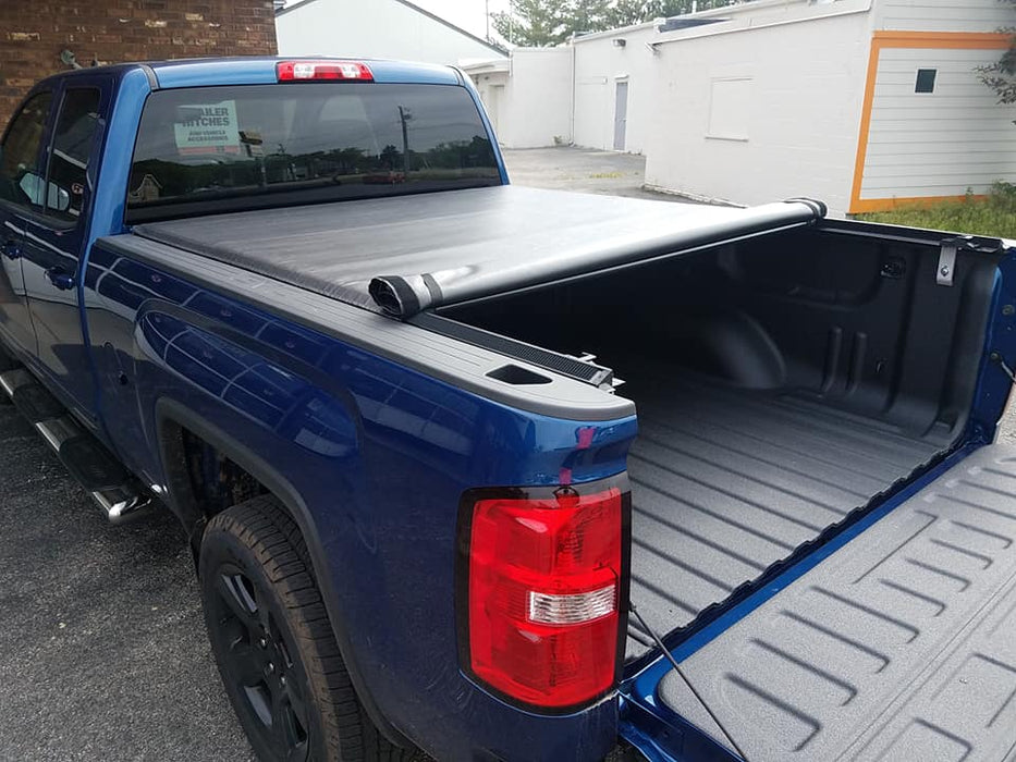 TruXedo® 572001 Lo Pro Soft Rolling Bed Cover | 2014 2015 2016 2017 2018 2019(legacy) Chevy Silverado / GMC Sierra 6.5' Bed