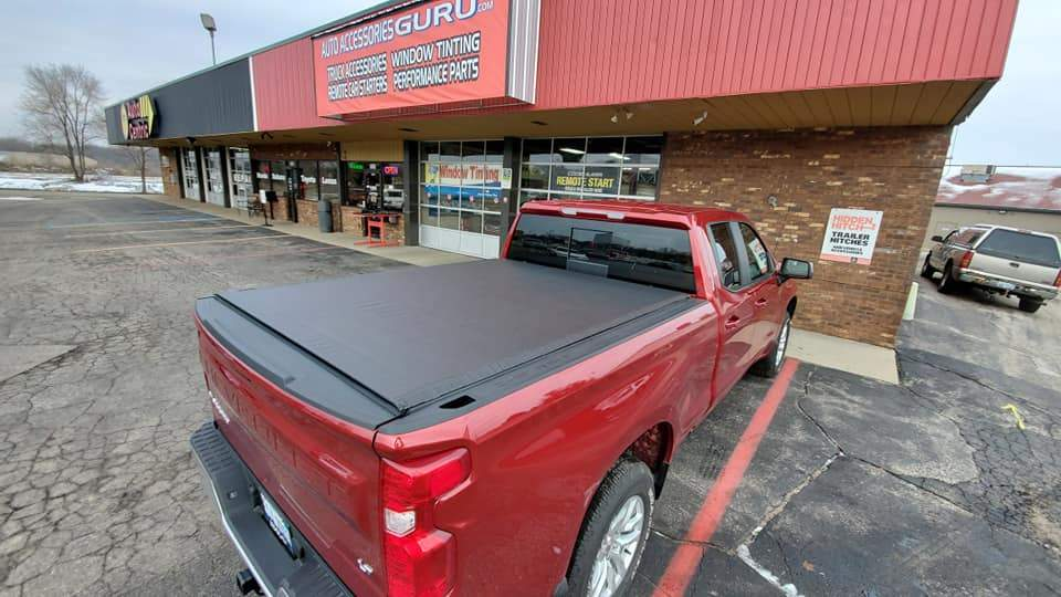 TruXedo® 572401 Lo Pro Soft Rolling Bed Cover | 19-20 Silverado/Sierra 5.5' Bed
