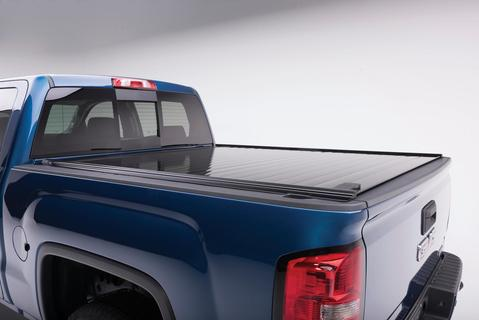 Retrax-40432-RetraxPRO Tonneau Cover | Chevy/GMC 6.5' Bed 07-14 *Wide RETRAX Rail* | 40432-AutoAccessoriesGuru.com