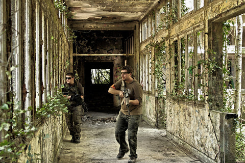 """Airsoft M4 Best Gun Players 2021 Upgrades Evike """"Airsoft Game @ Aincourt Hospital"""" by CoffeeCypher is licensed under CC BY-NC 2.0"""