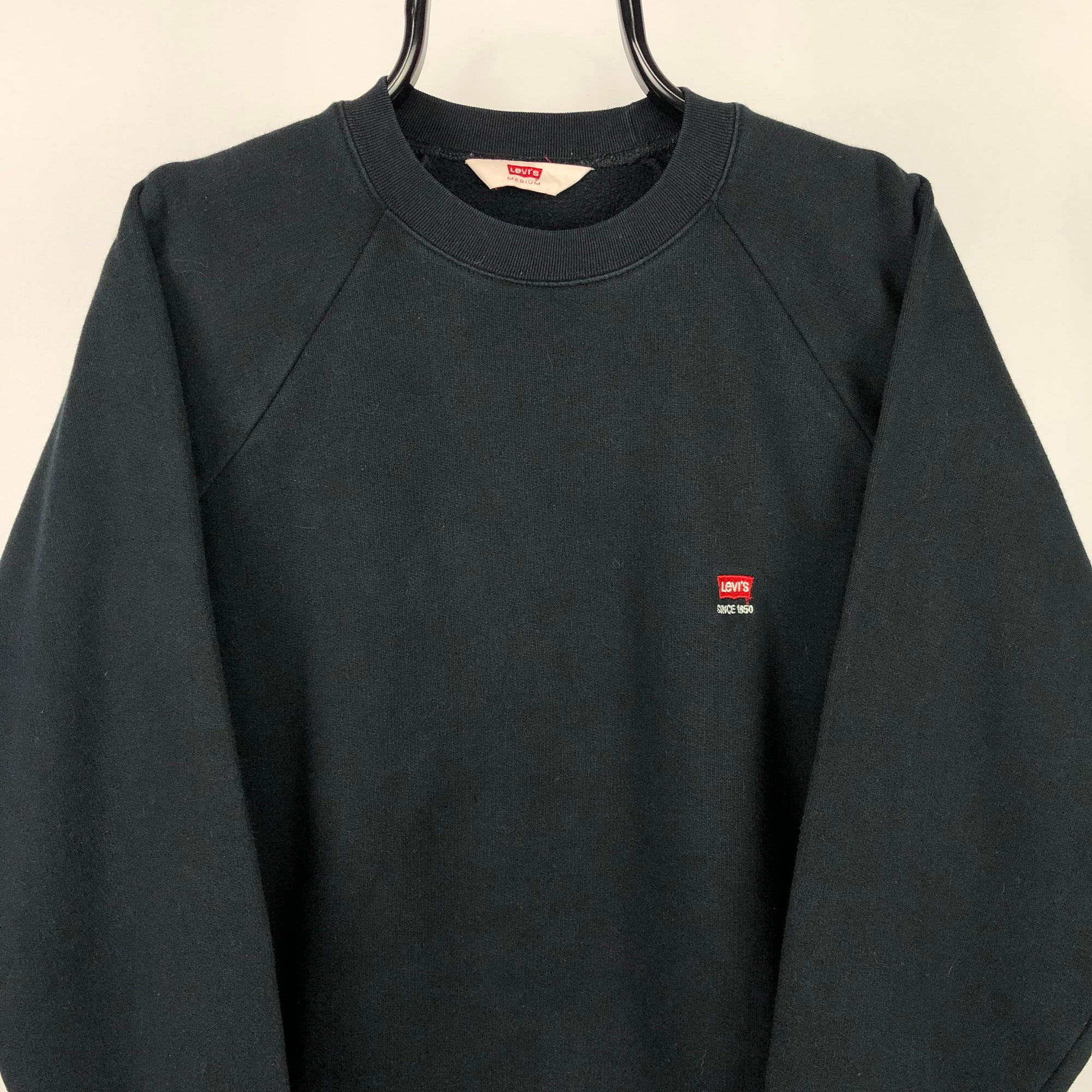 Vintage Levi's Embroidered Small Logo Sweatshirt in Black - Men's Medium/Women's Large