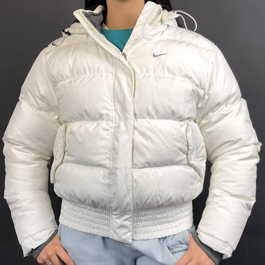 Cumbre Fe ciega Moviente  Vintage Nike Puffer Jacket in Glacier White - Small - Vintique Clothing