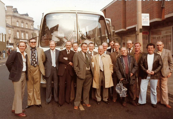 Barnsley landlords line-up for a coach trip