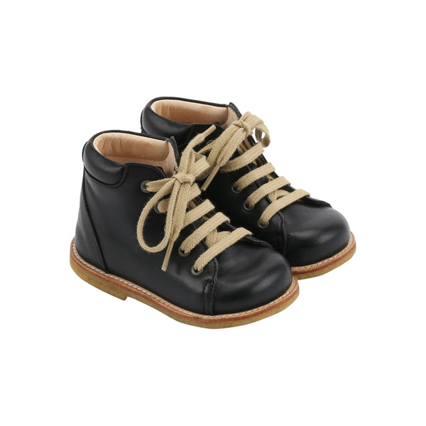 STARTER BOOT WITH LACES, BLACK