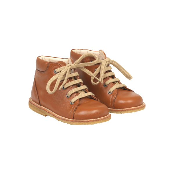 STARTER BOOT WITH LACES, COGNAC