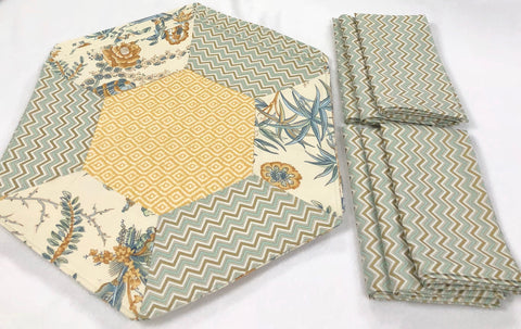 Hexagonal Placemats w/napkins