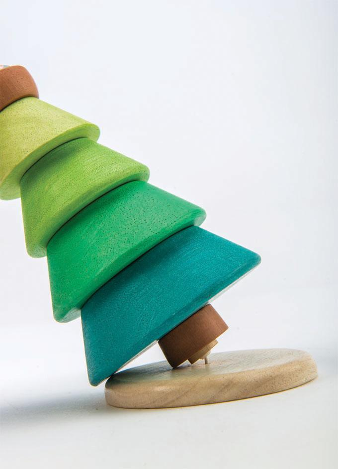 Tender Leaf wooden toys Stacking Fir Tree in green