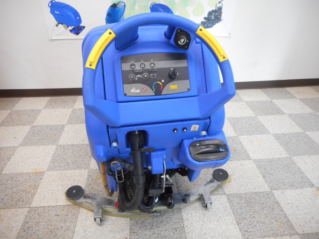 rear view of clarke boost 32 floor scrubber reconditioned