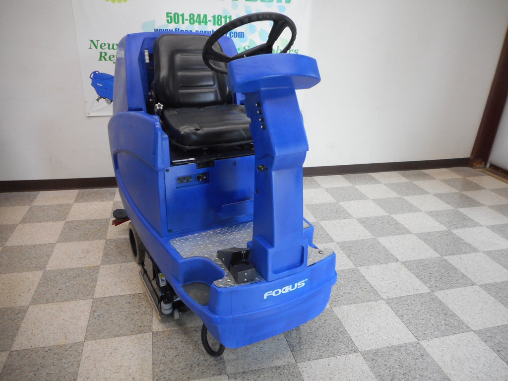 Clarke Cylindrical used floor scrubber rider