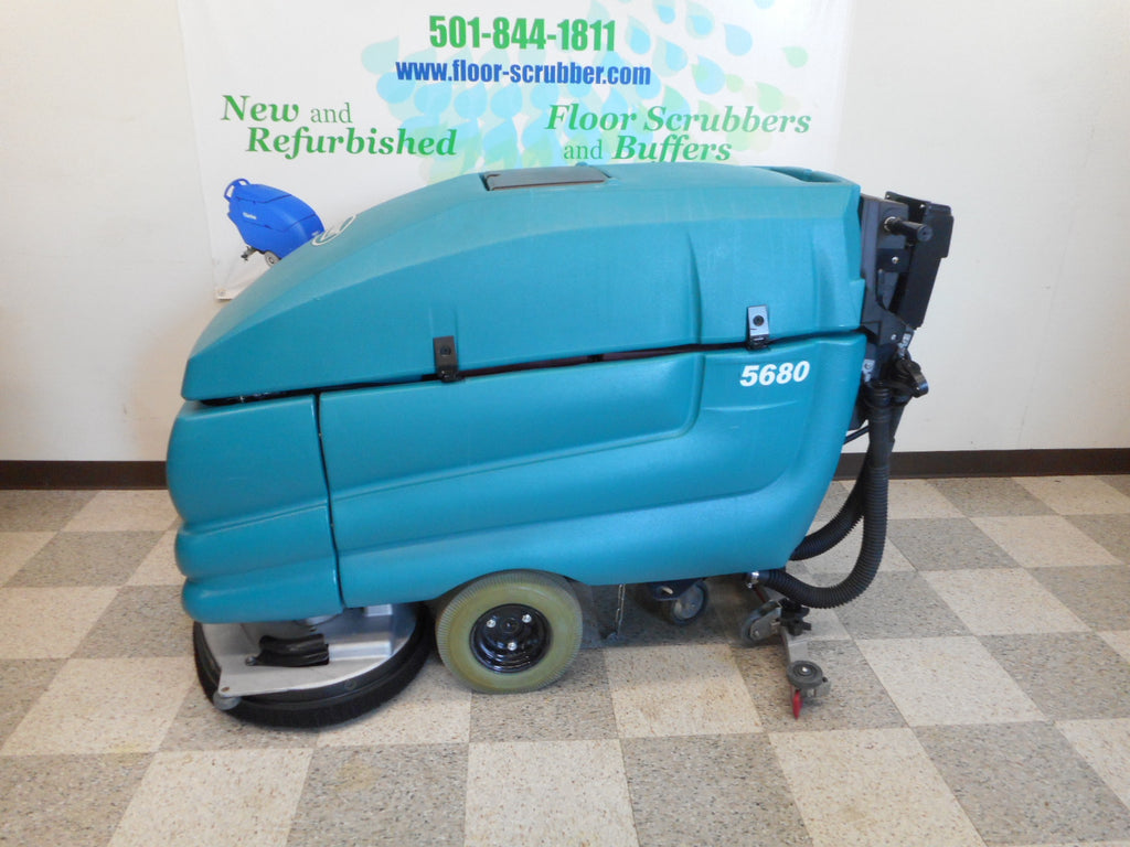 Used warehouse cleaning machine sweeper Tennant-5680-Floor-Scrubber