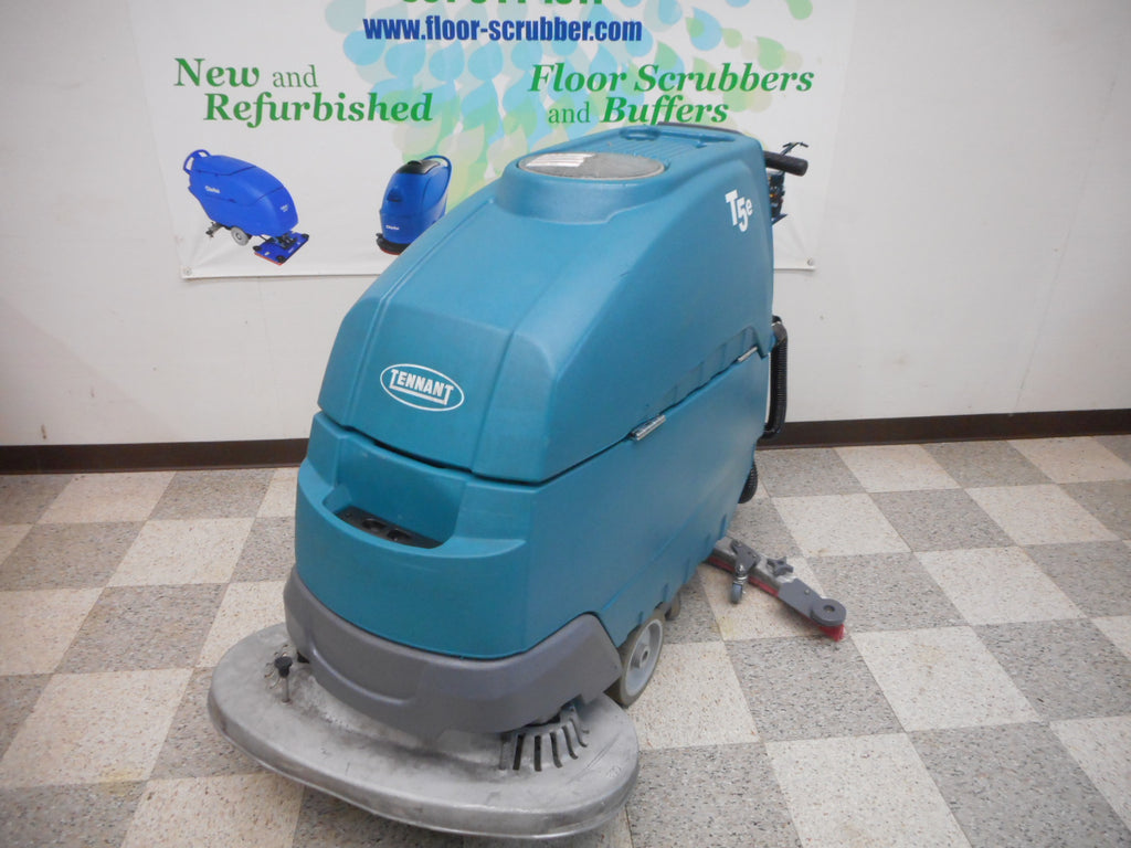 "Reconditioned Tennant T5e Floor Scrubber 32"" ss5"