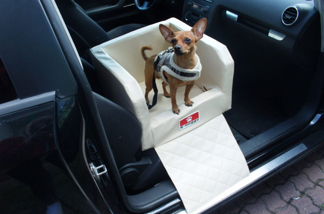 car-front-seat-dog-traveller.jpg