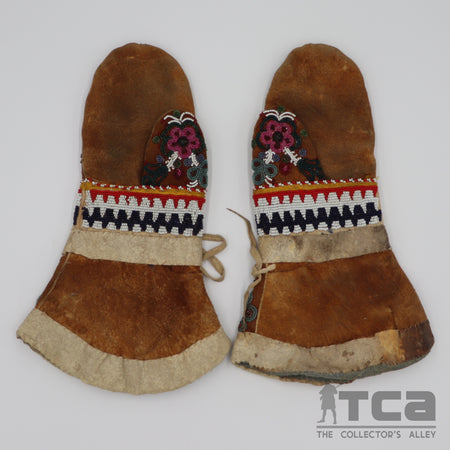 Cree Beaded Cloth and Hide Mittens c.1890