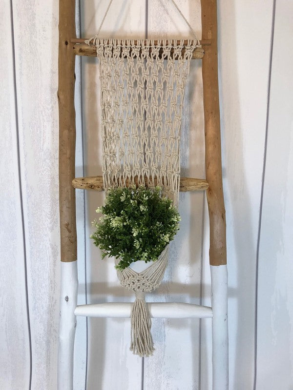 Macrame wall pot hanger