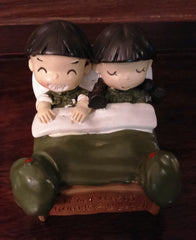 Figurines Boy & Girl Happy Together