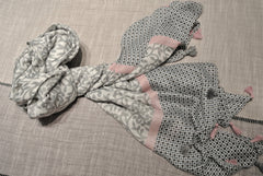 Shawl Soft Grey Pink