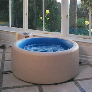 Softub 140 - 1-2 Person Hot Tub