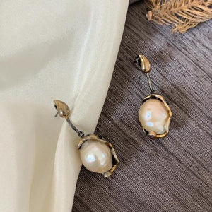 Load image into Gallery viewer, Baroque Pearl earrings - Zevar King