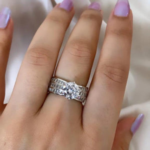 Load image into Gallery viewer, Solitaire Ring - Zevar King