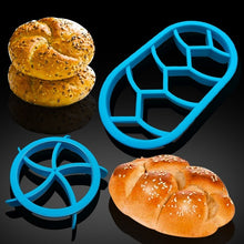 Load image into Gallery viewer, 1PC Round Oval Classic Bread Molds Fan Pastry Cutter Dough Cookie Press Bread Cake Biscuit Moulds Kitchen Pastry Baking Tools(Random Color)