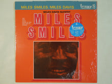 Load image into Gallery viewer, Miles Davis - Miles Smiles (LP-Vinyl Record/Used)
