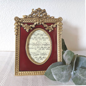 Red and Gold Roses Tabletop Frame