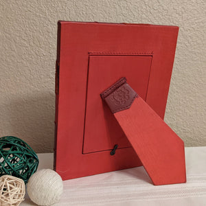 Picture frame easel back, hand tooled leather floral design, leather picture frame, 4x6 photo frame, red picture frame