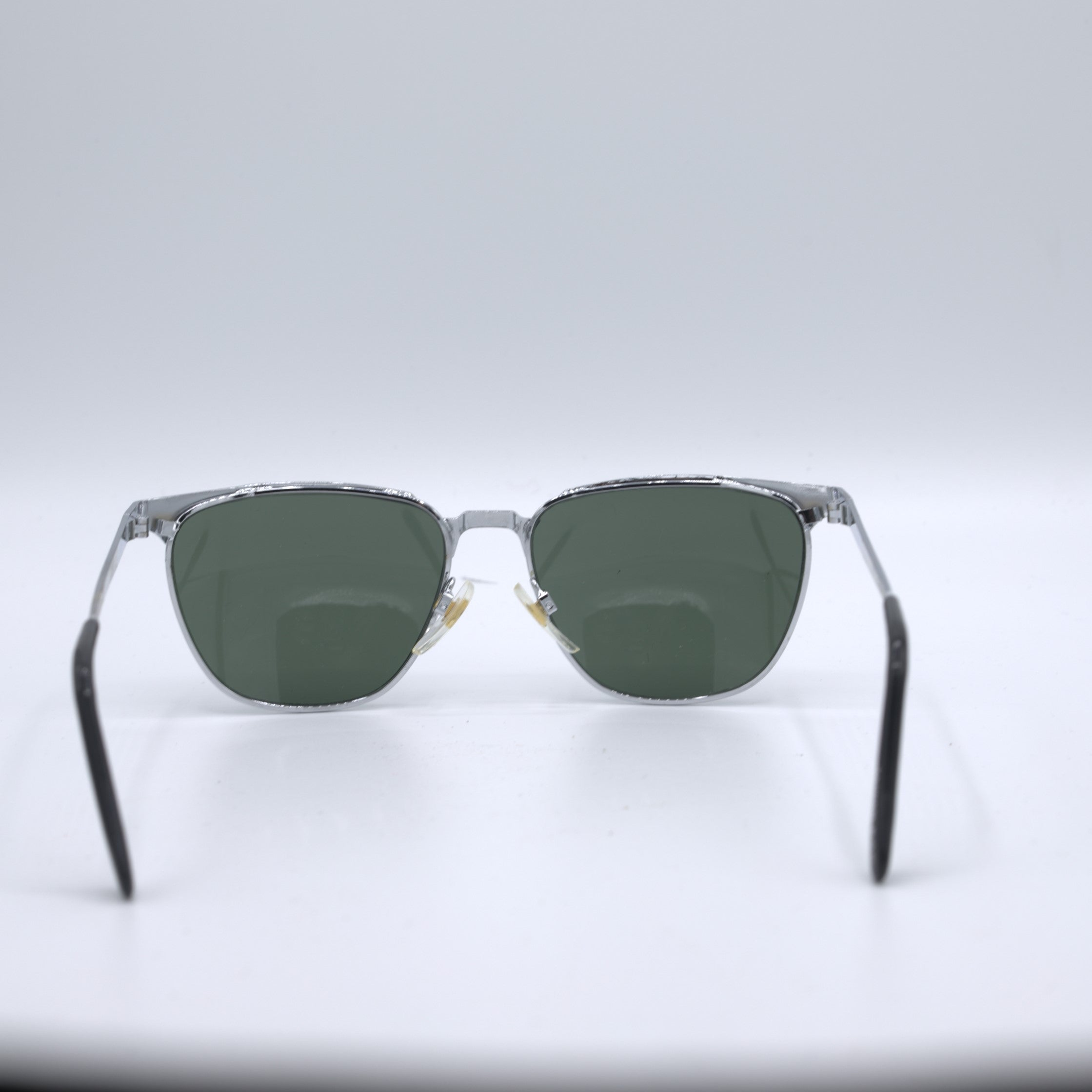Vintage late 1950s deadstock sunglasses.